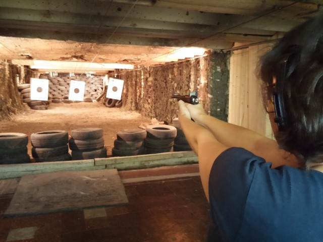 Diana at the shooting range
